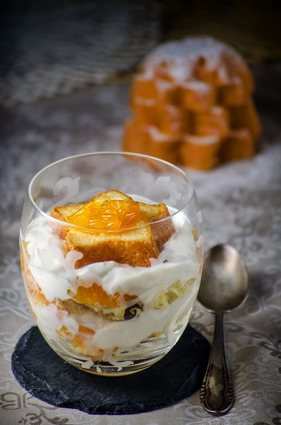 Italian Christmas trifle with ricotta cream and mandarin